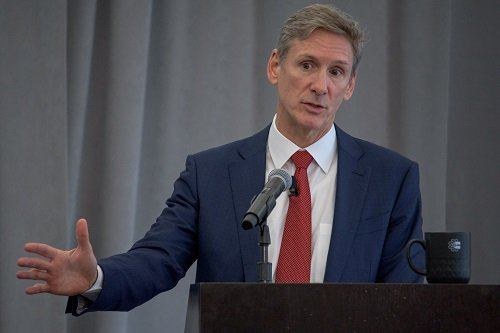 Tom Linebarger speaking at 2019 Annual Meeting