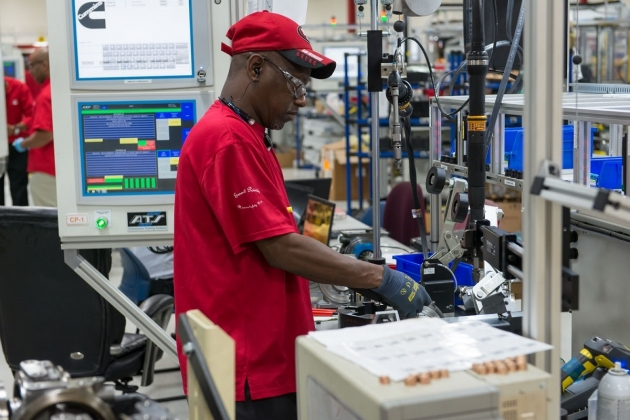 Remanufacturing centers like the one in Memphis, Tennessee (USA), return Cummins' engines and parts to productive use, keeping them out of landfills. In addition, the practice saves the energy needed to build new products.