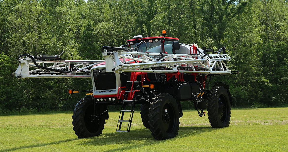 Apache AS 1250 XP sprayer with a B6.7 Cummins Performance Series engine
