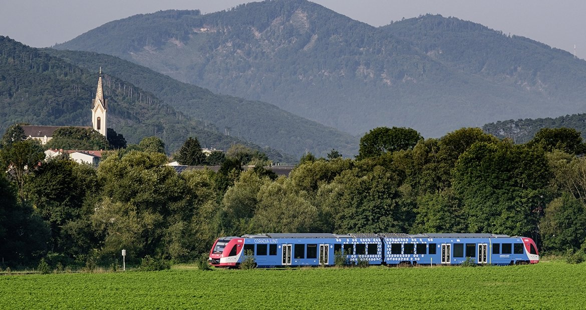 Cummins-powered hydrogen fuel cell trains heading further down the track in Austria