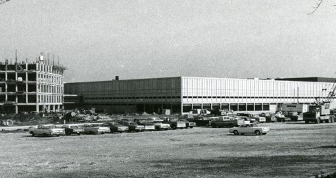 cummins engine company corporate office building. The Cummins Technical Center Goes Up In Mid-1960s Columbus, Indiana (U.S.A.). First Employees Moved Into Its Buildings Fall Of 1967. Engine Company Corporate Office Building