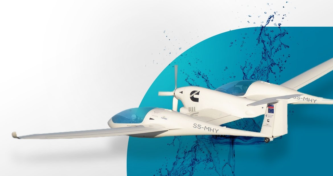The world's first hydrogen-powered aircraft, powered by Cummins fuel cells